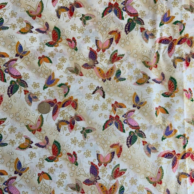 Butterflies- Cream- gold metallic - 100% cotton : JAPANESE FABRIC : Easy Piecing: Sashiko Supplies: Shweshwe Fabric: Japanese Fabrics